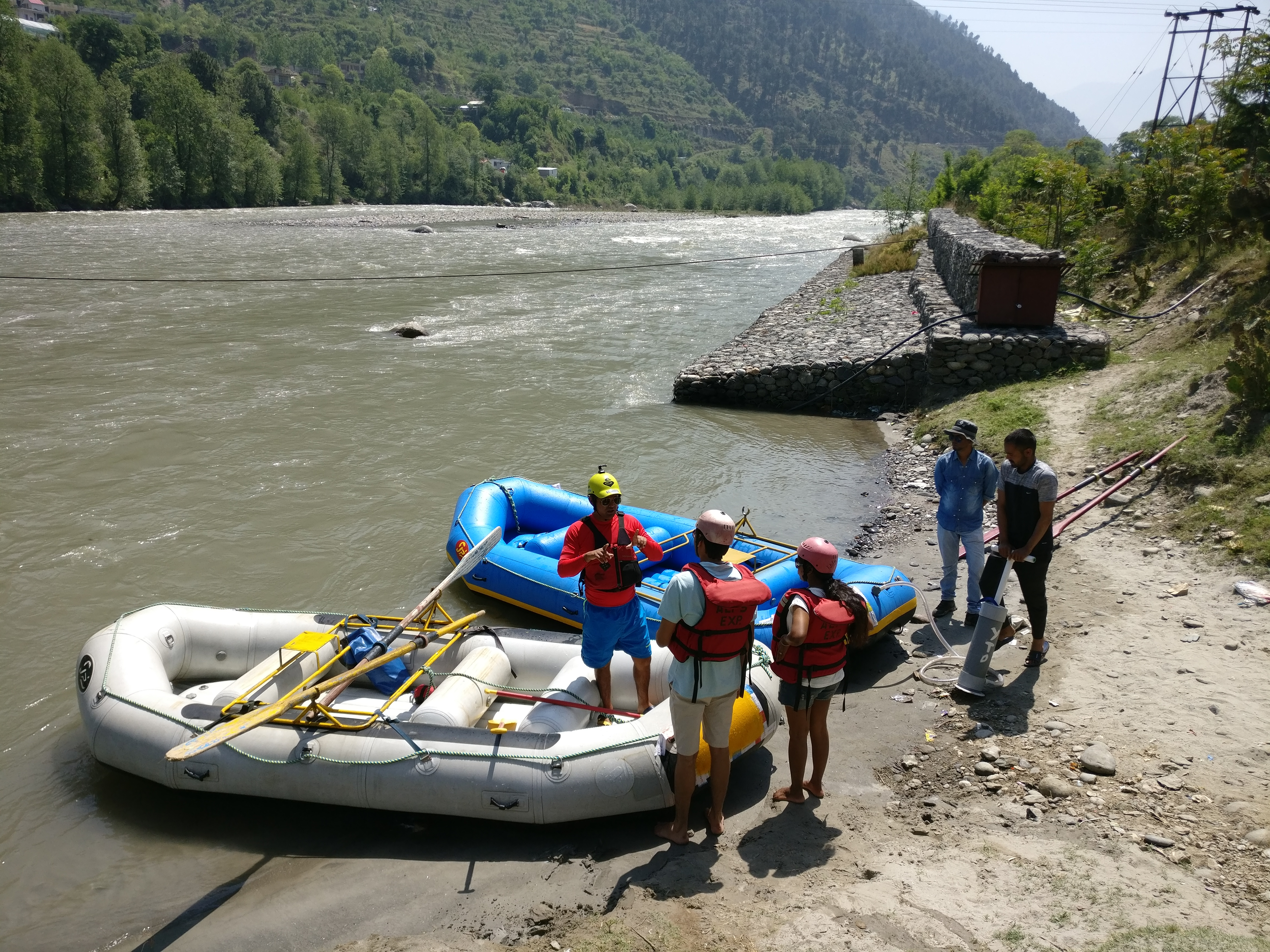 White Water Rafting in Manali